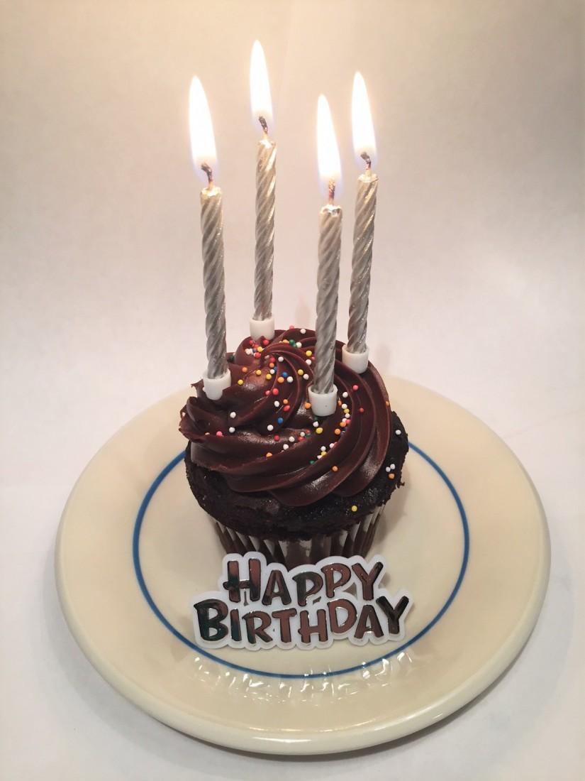 Cupcake 4 candles